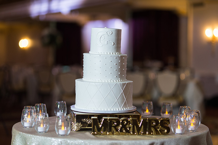 Pittsburgh Wedding Photographer Omni William Penn Cake