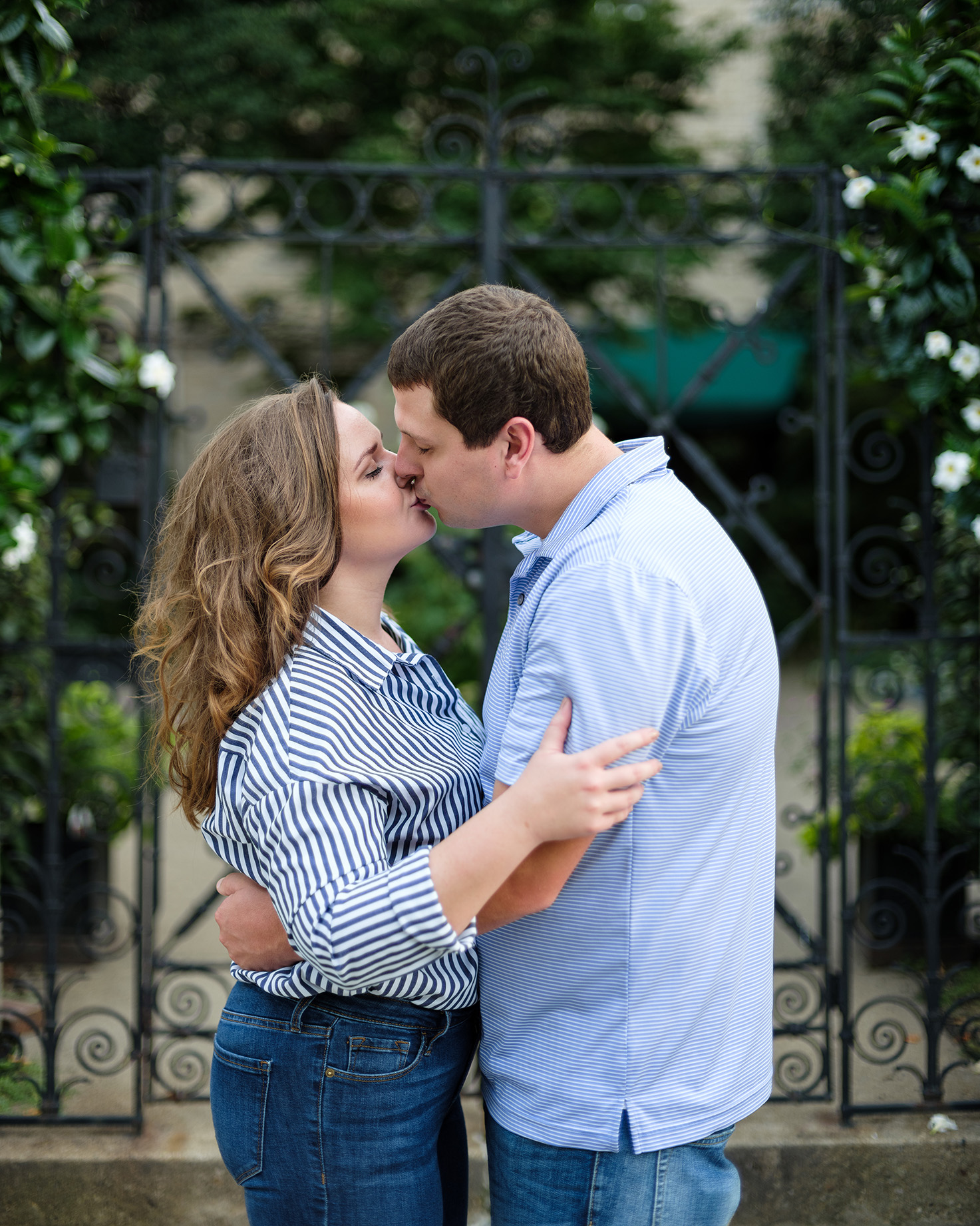 Pittsburgh Engagement Photographer Couple Kissing