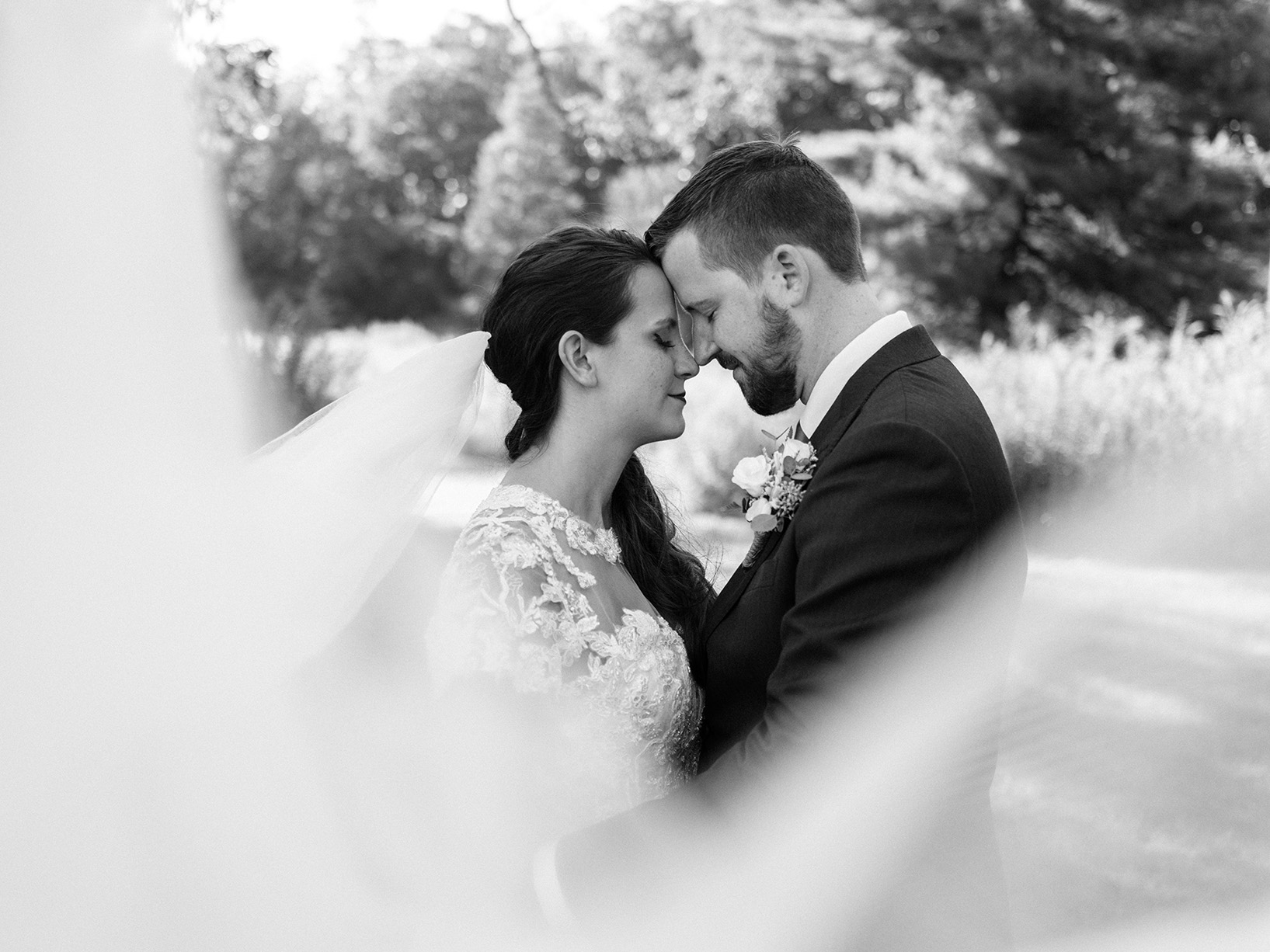 Pittsburgh Wedding Photographer Deep Creek Veil Black & White