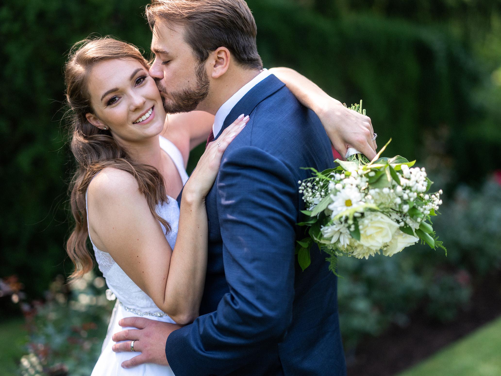 Pittsburgh Youngstown Wedding Photographer Fellows Riverside Gardens