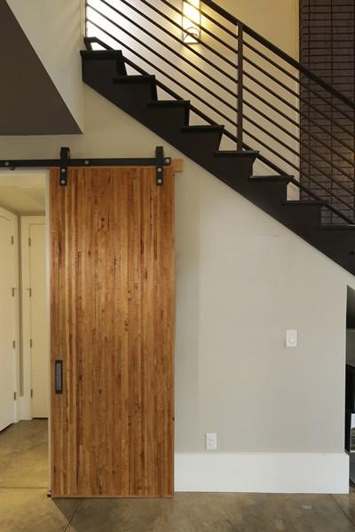 100556-serenbe-lane-contemporary-interior-foyer-barn-door-2-atlanta-lg-squared-inc-proud-green-home