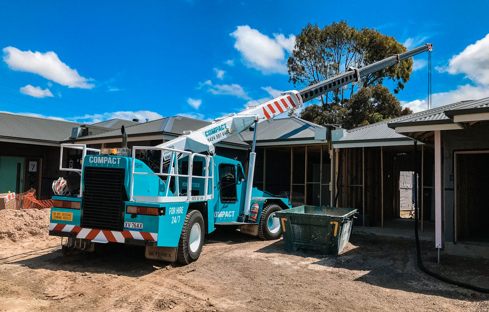 20 Ton Franna Crane Lifting Palm Tree in Geelong & Melbourne