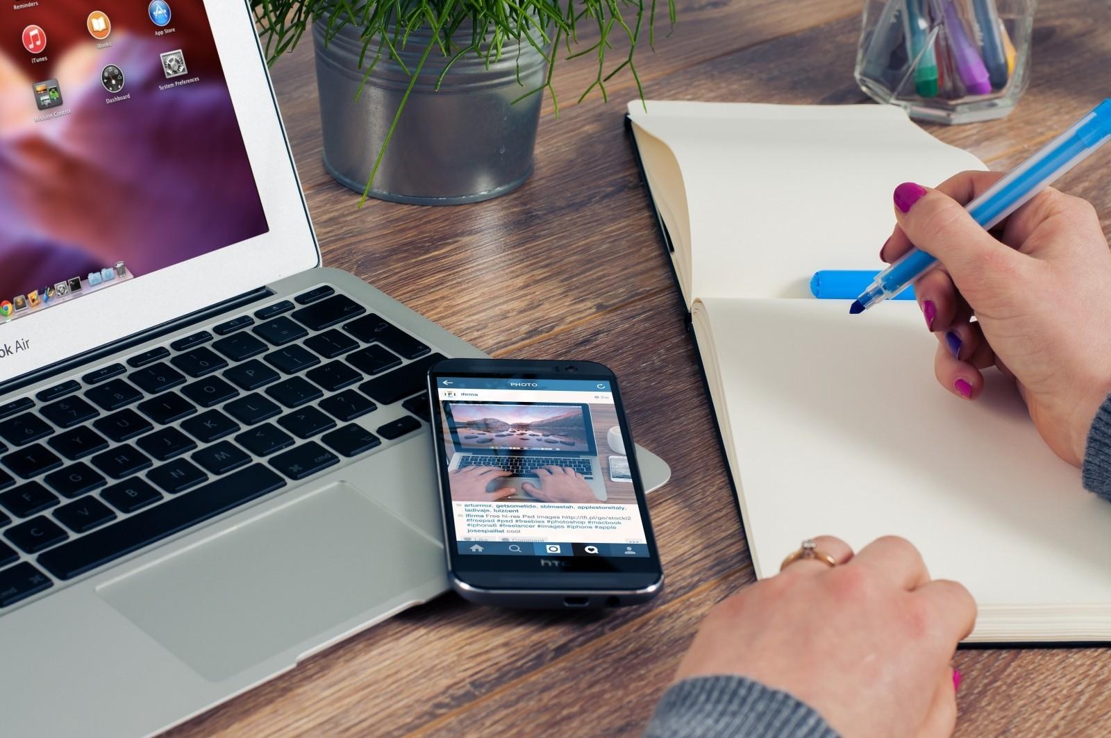 Hemsida företag, både i mobilen och på datorn