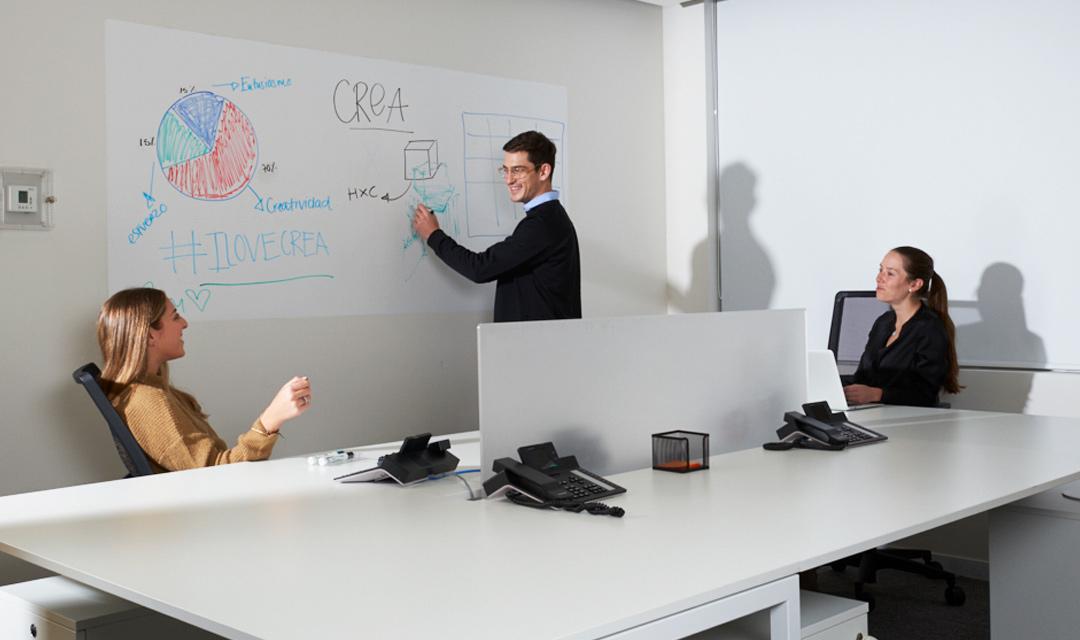 Oficinas amuebladas CDMX by CREA