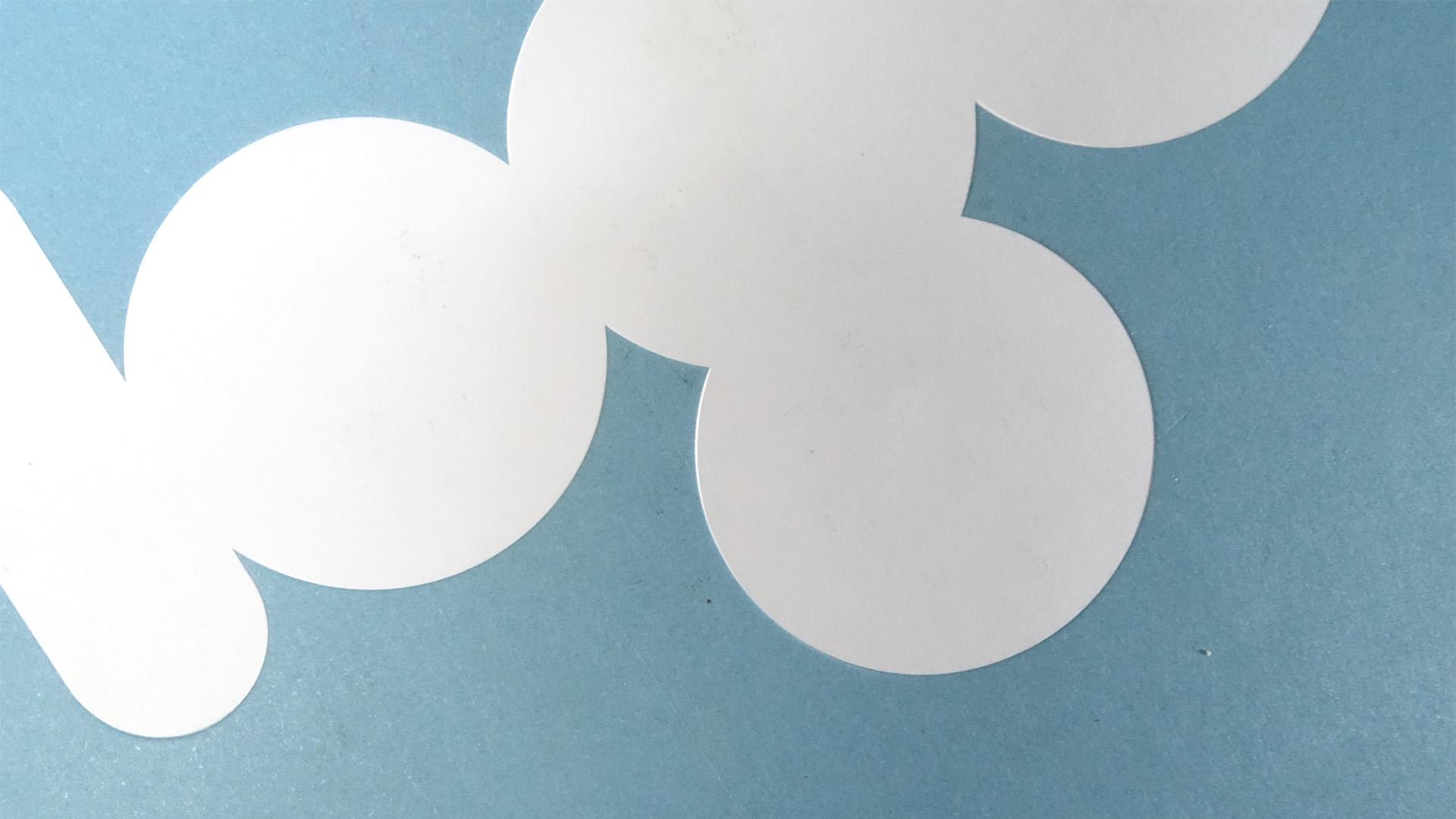 """Buchcover mit abstrahiertem Schrifzug """"Logo"""" . Symbolbild für Logodesign."""