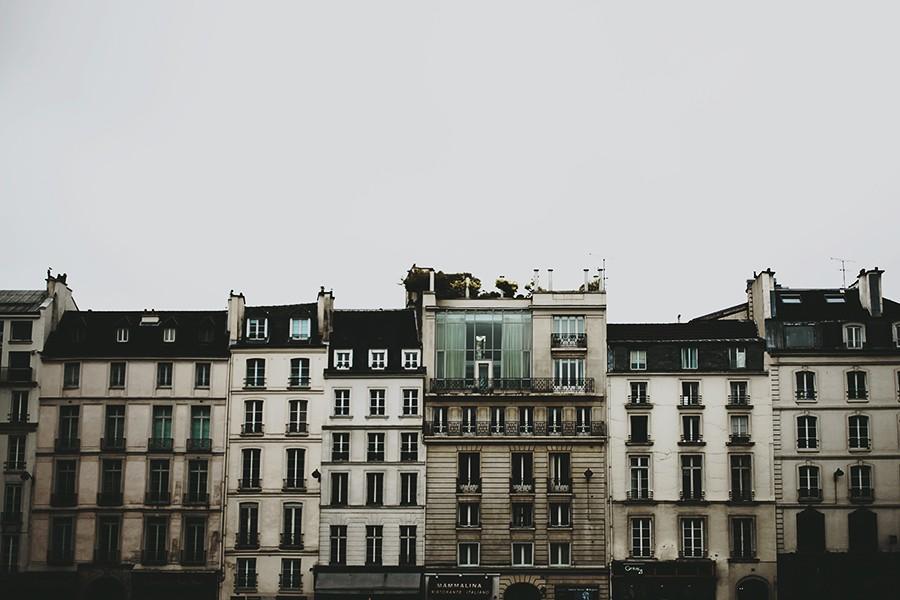 Old street houses of Paris