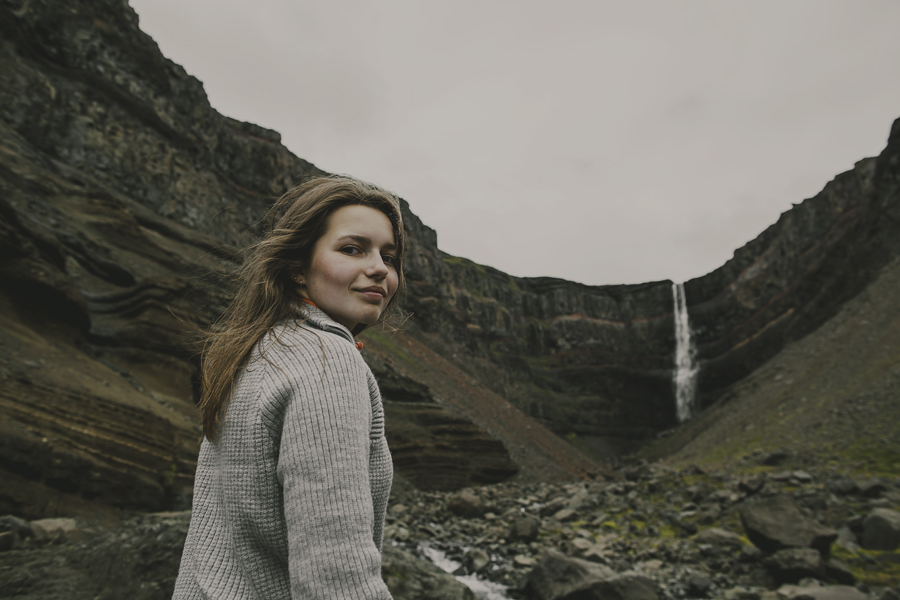 Girl and Hengifoss in the background