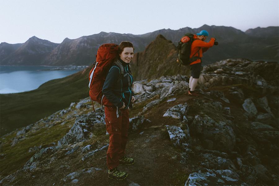 Two hikers at Hesten in Senja