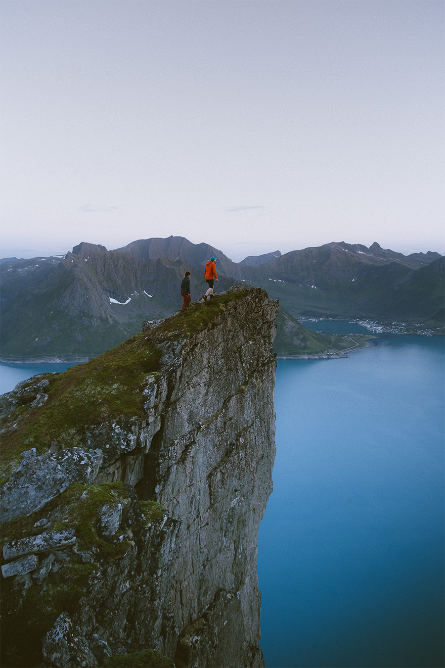Two people hiking to the edge