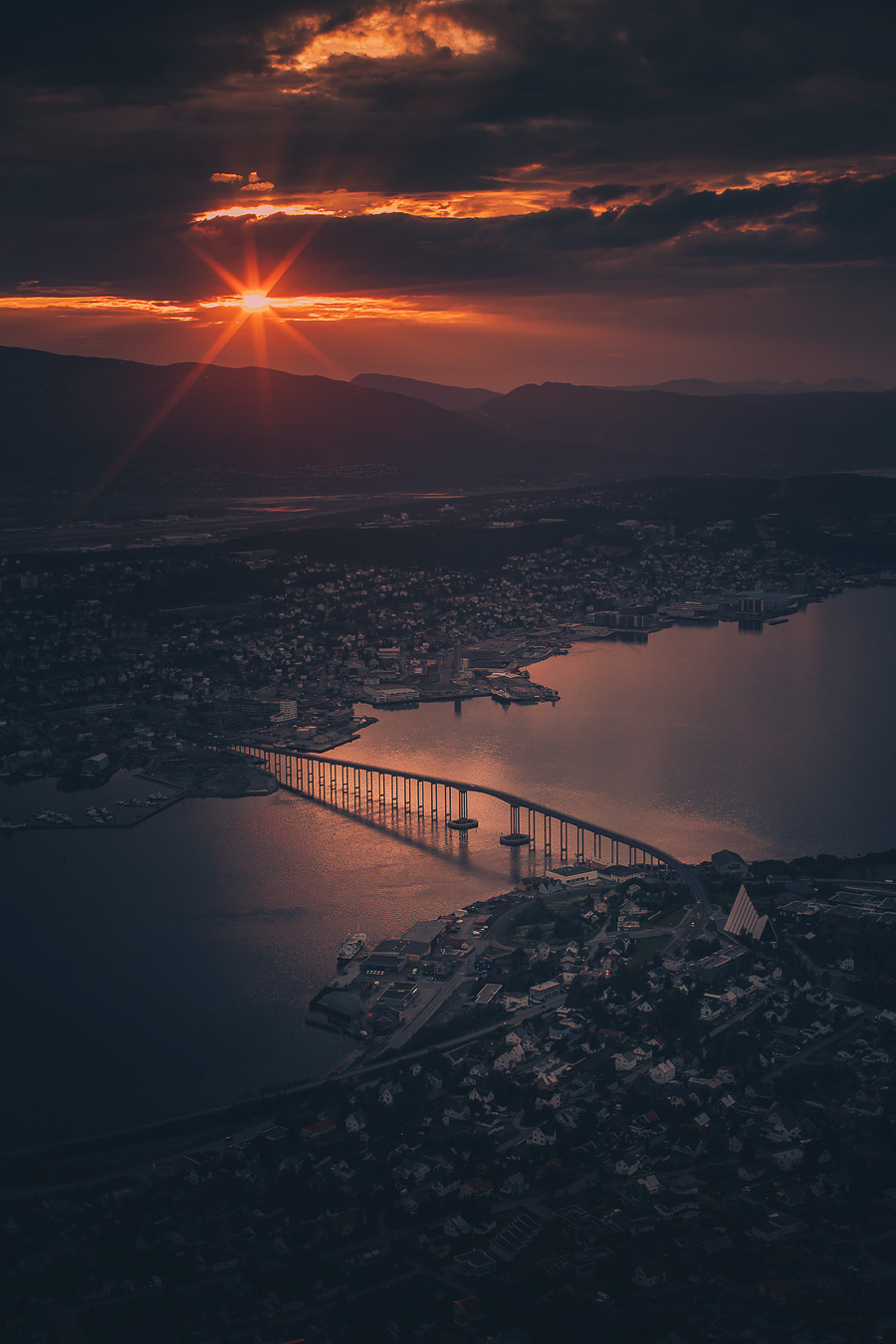 Midnight sun in Tromsø seen from Fjellheisen