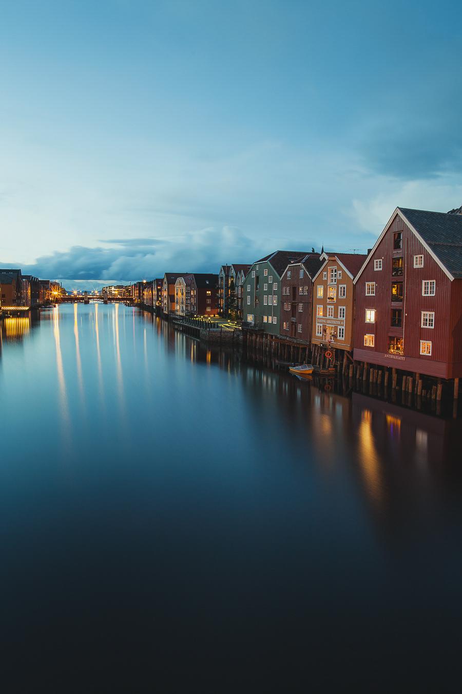 Bakklandet in Tromsø reflected in Nidelva