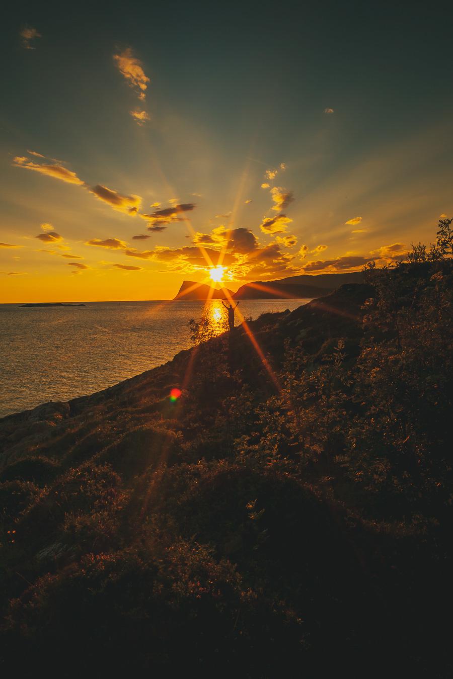 The midnight sun shining on Håja