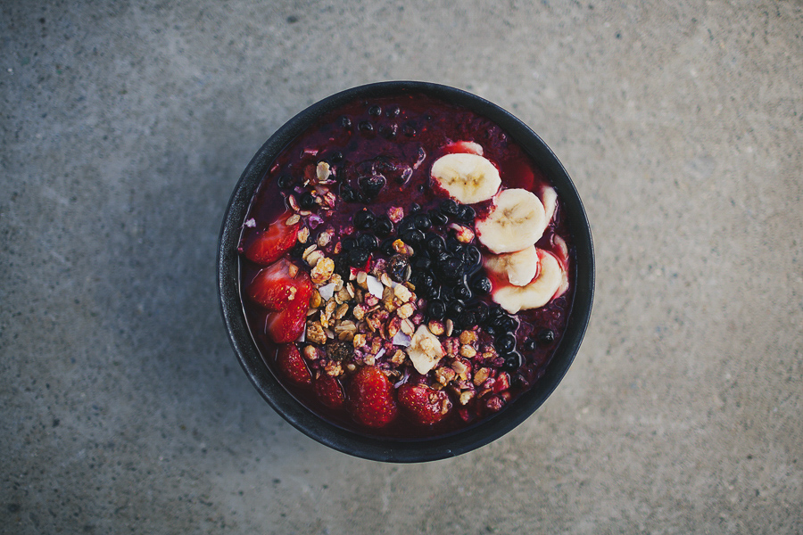 Smoothie bowl filled with berries and fruits