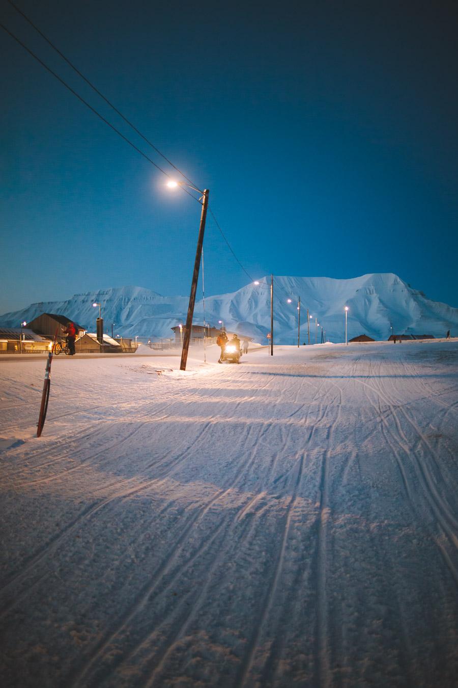 Night activities in Longyearbyen