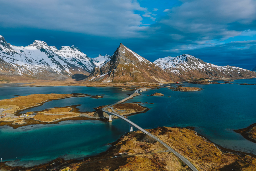 Vlog: Frida og Vegard pakker til Lofoten