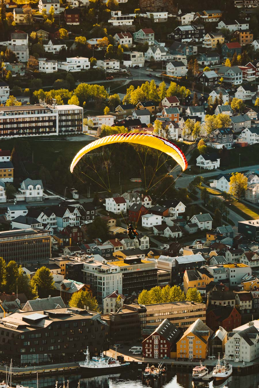 Man para jumping in Tromsø