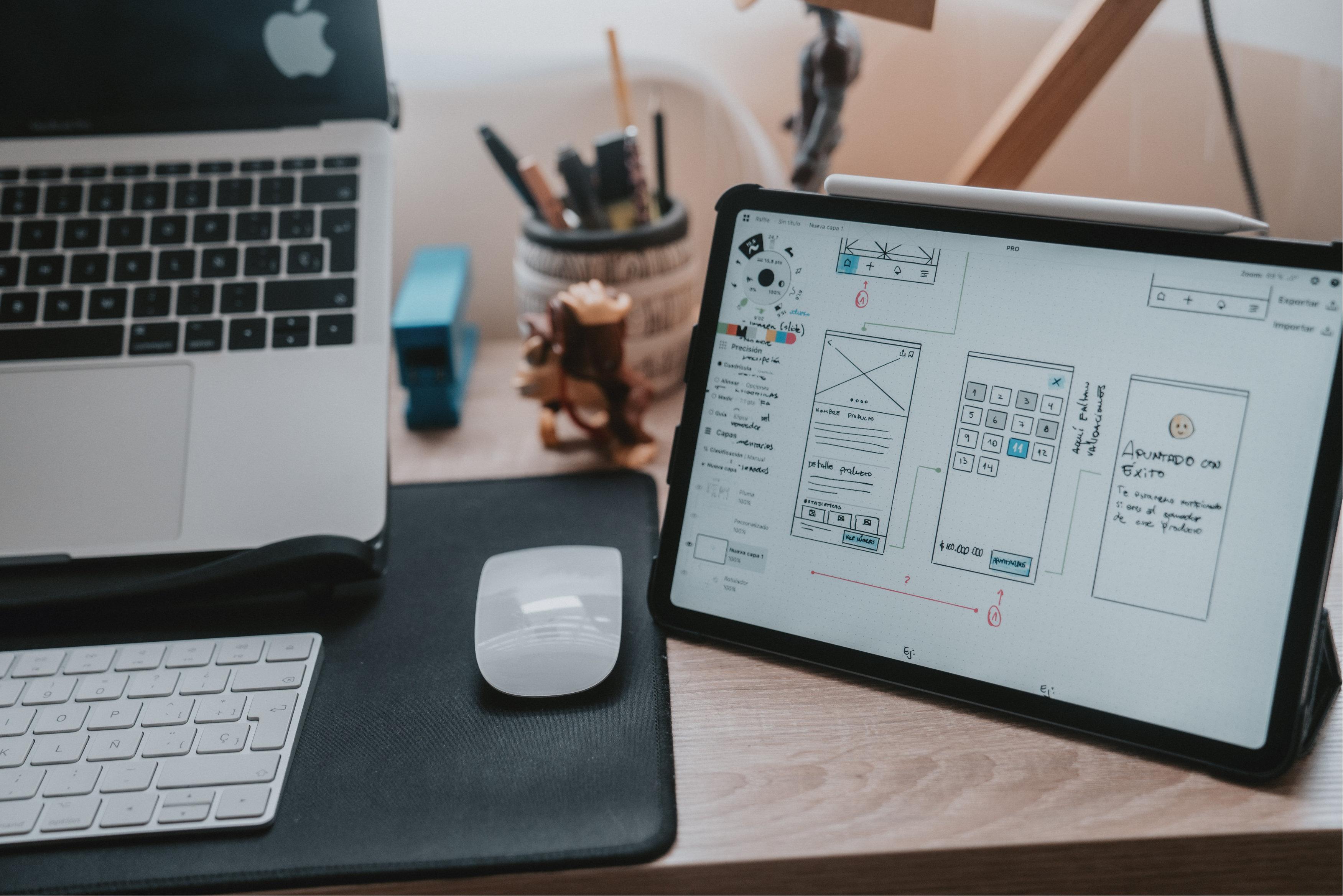 tablette sur un bureau