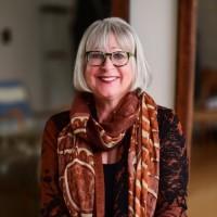 Karen Gross headshot