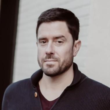 Seth Fleischauer headshot
