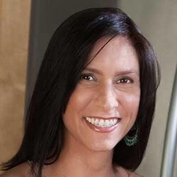 Kayla Broek headshot