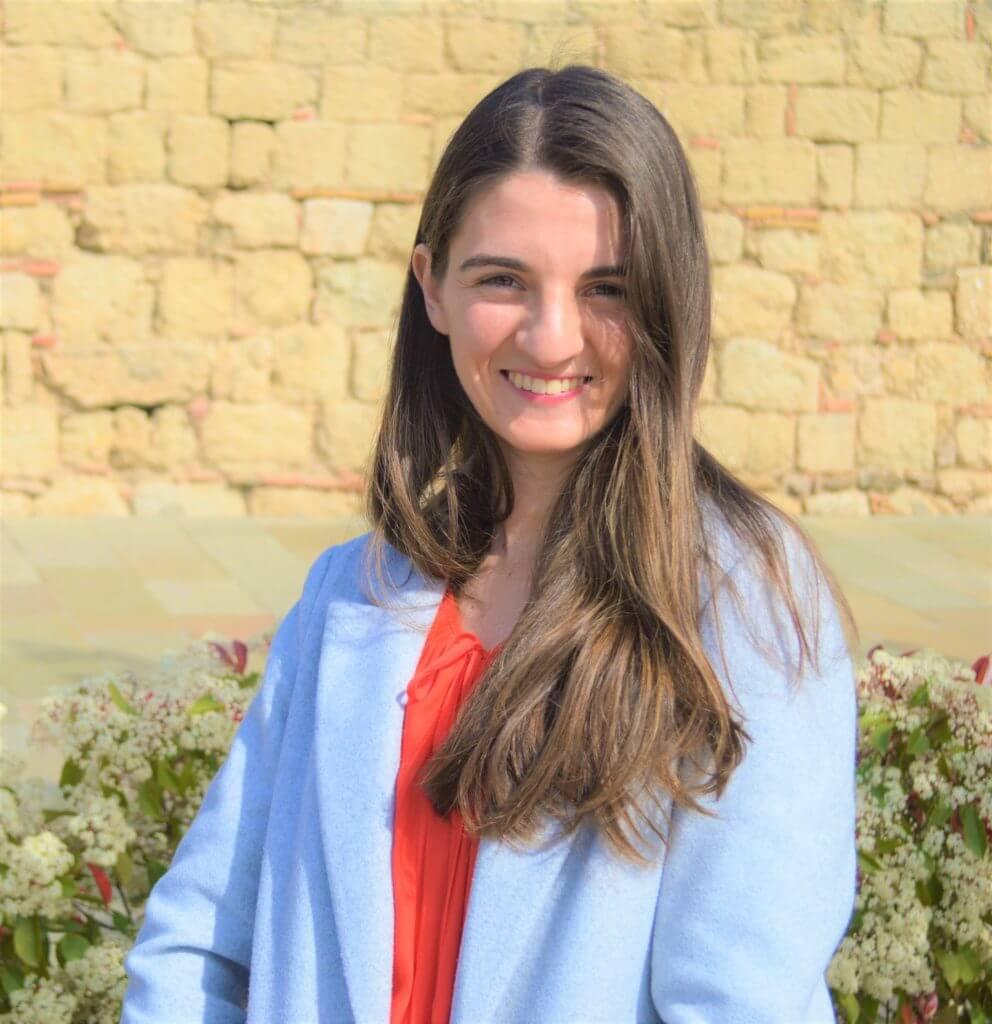 Alejandra Marques headshot