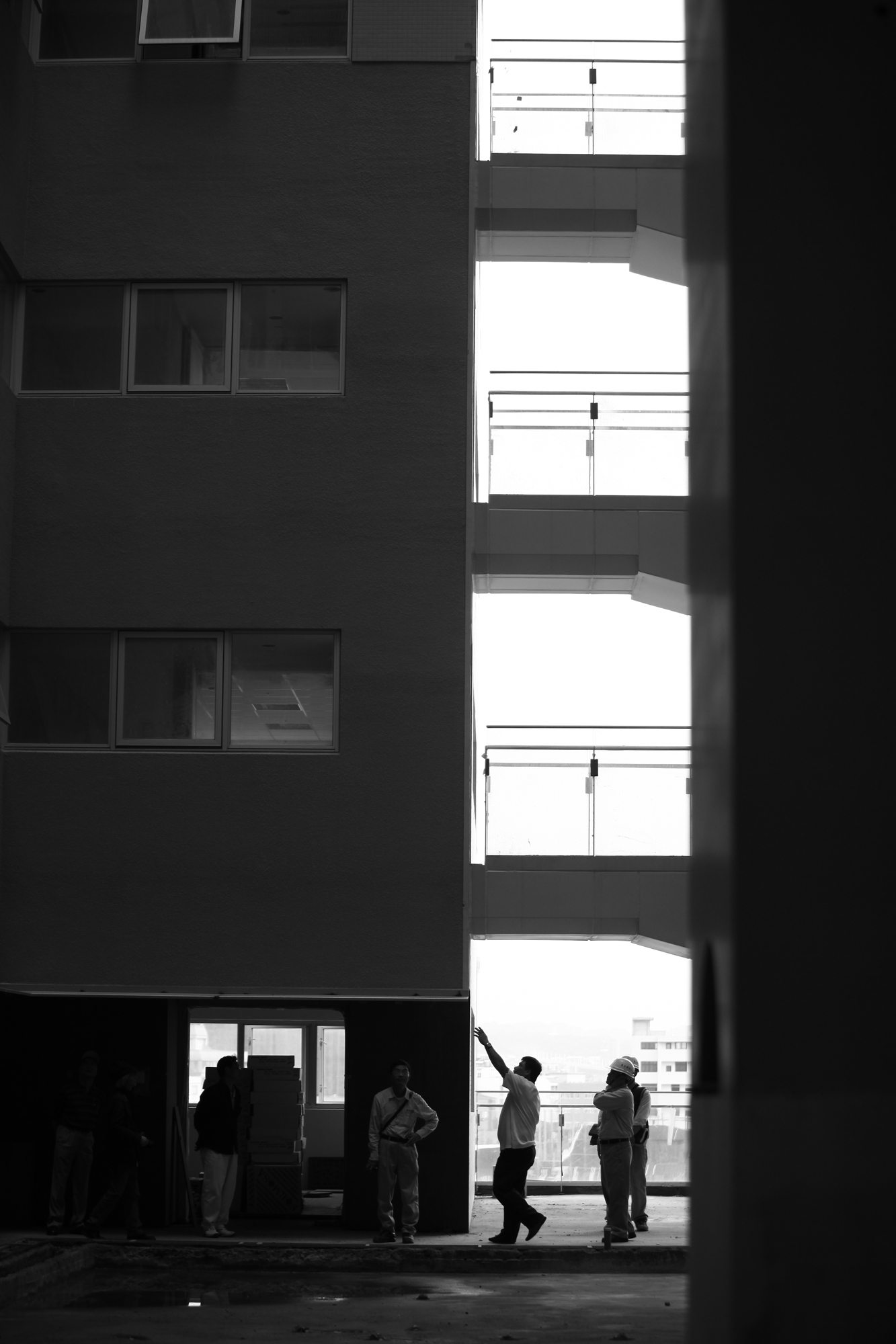 原廣司與惠友建設於遠見大樓監工