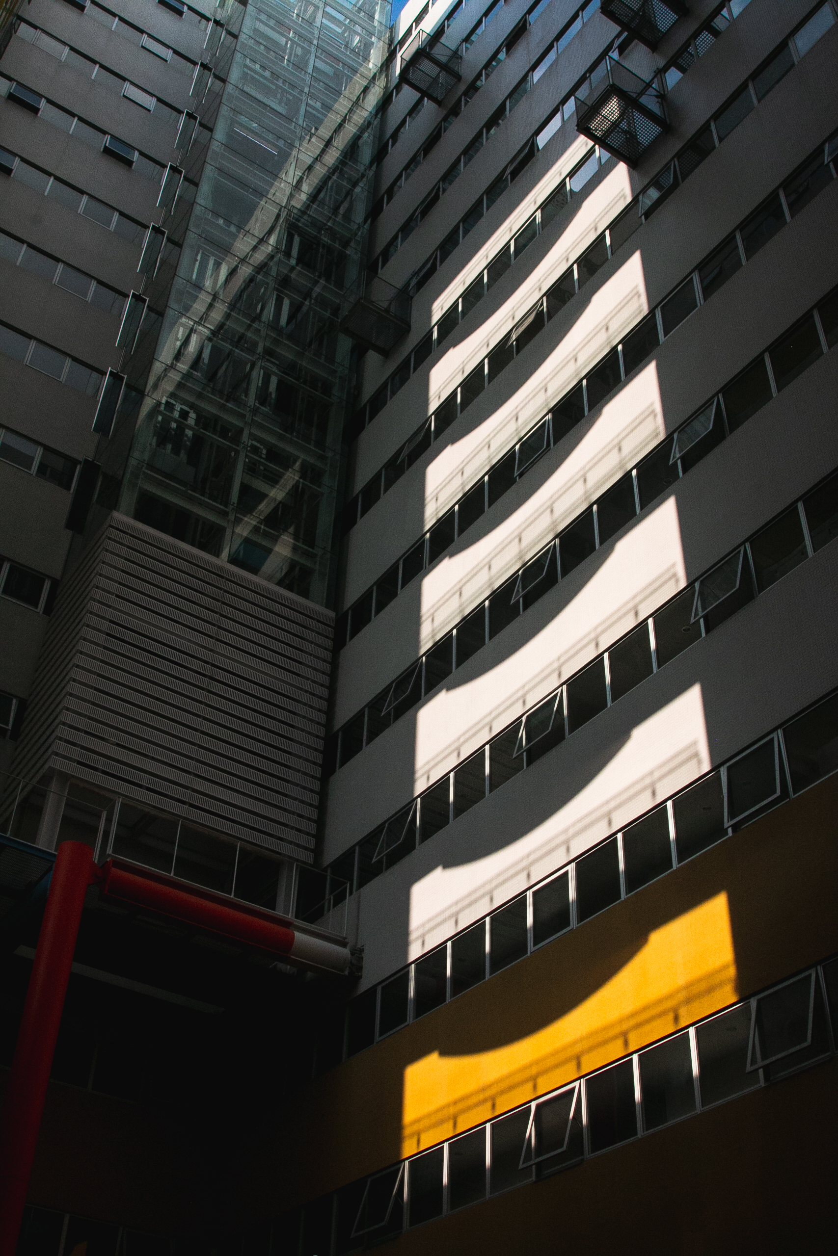 竹北惠友遠見中庭向上眺望
