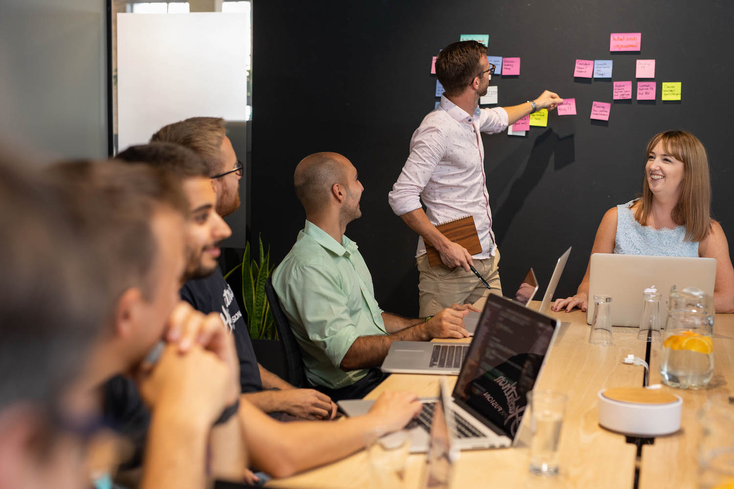Man conducting discovery sprint for organisation design