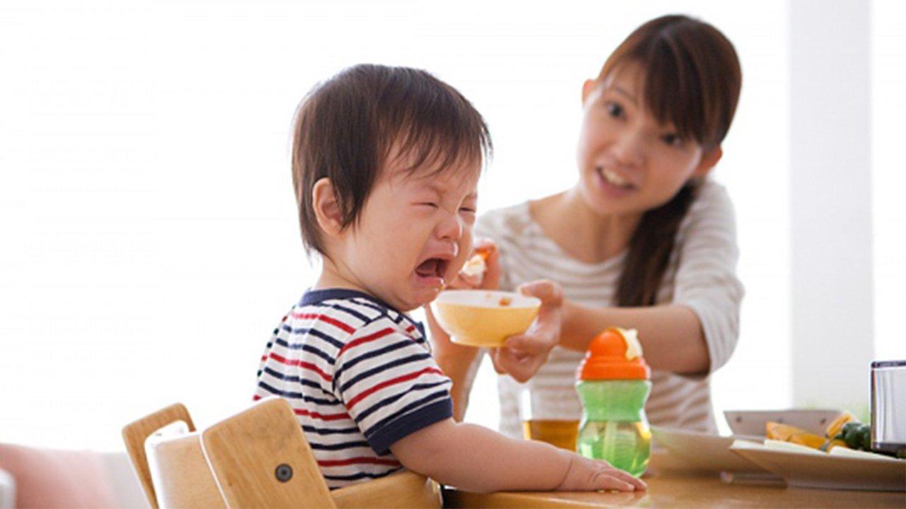 Biếng ăn gây ảnh hưởng xấu tới sự phát triển của trẻ