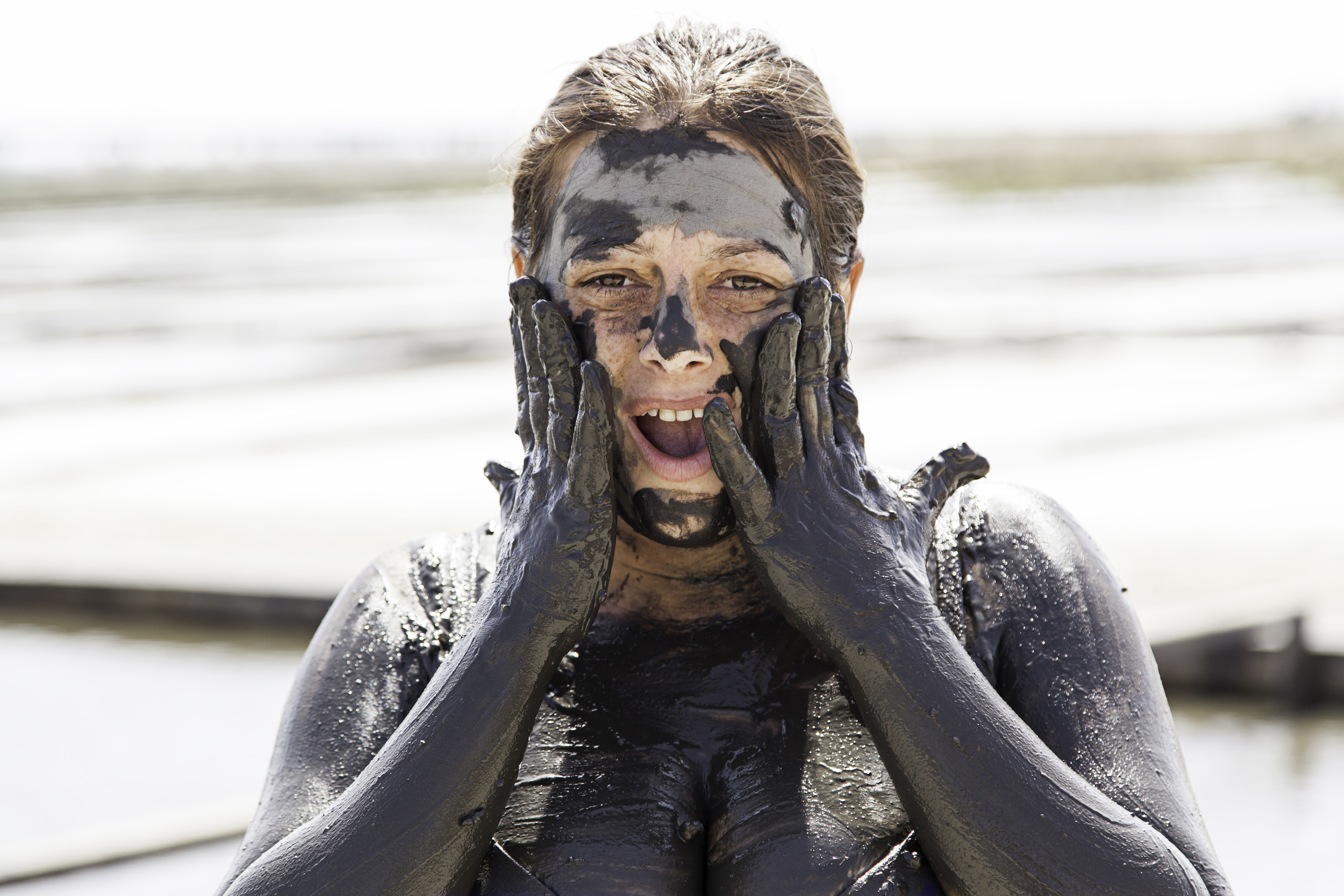 Natural mud baths at iRetreat Portugal, skin nourishment and cleansing