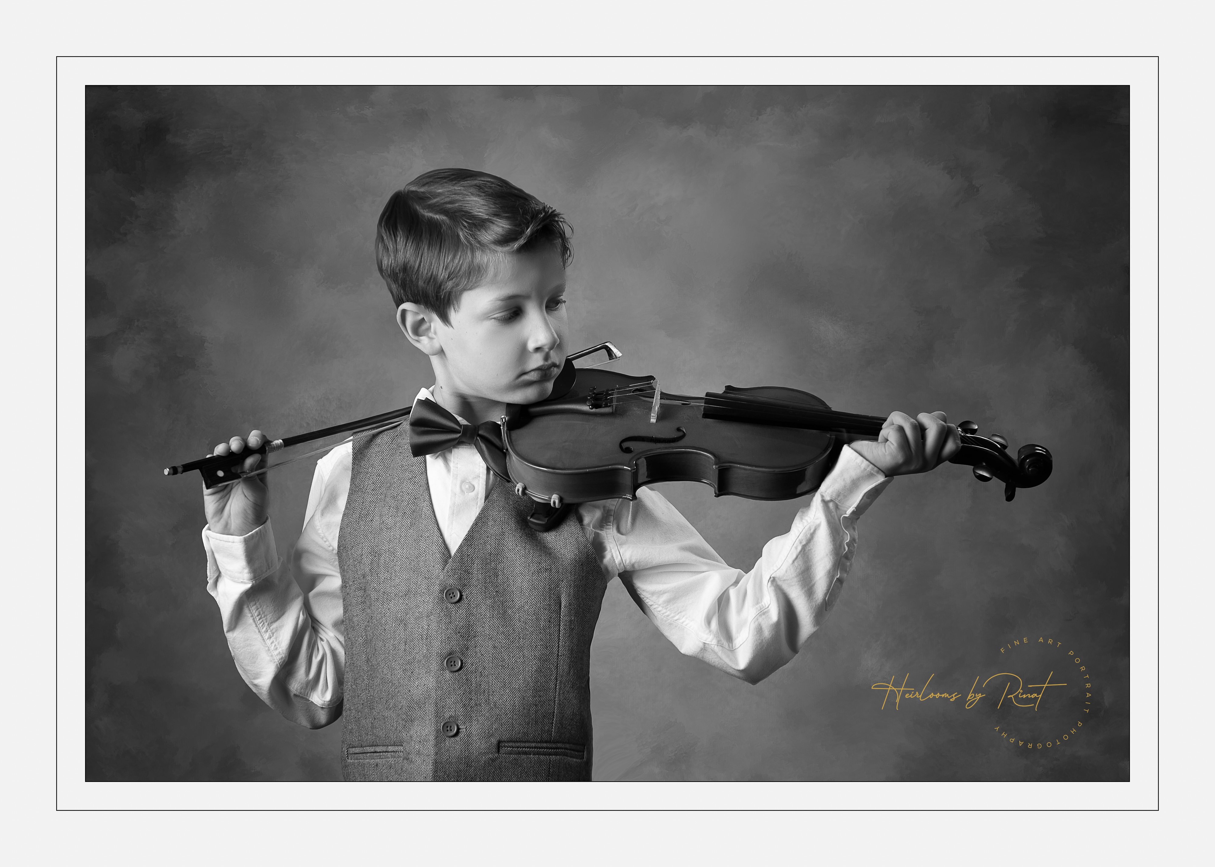 Photo of young boy with violin