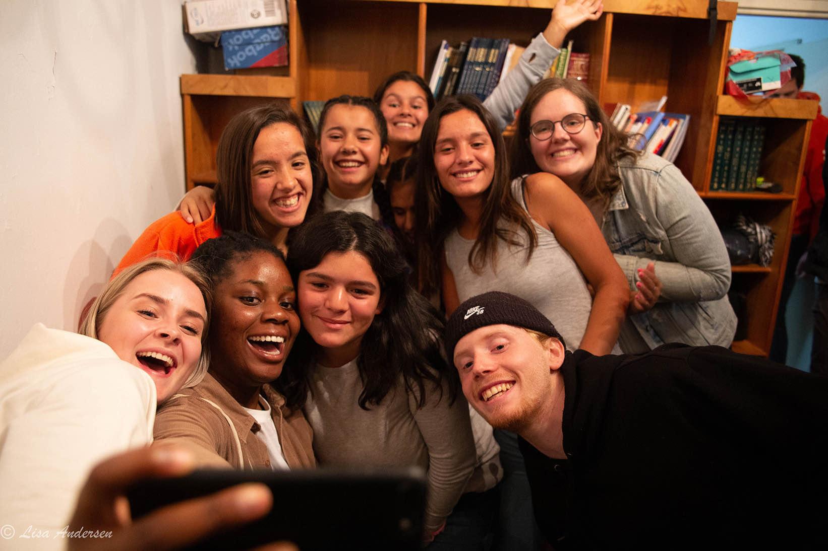 Selfie med bibelskoleelever fra Argentina