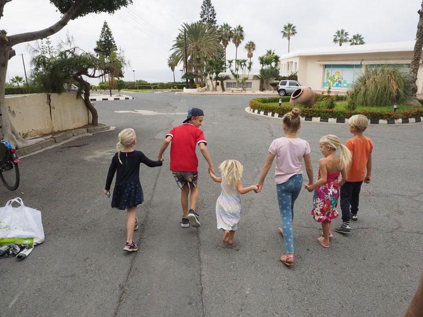 Freunde finden auf Weltreise Familie Leichsenring Familie auf Weltreise Kinder auf Zypern