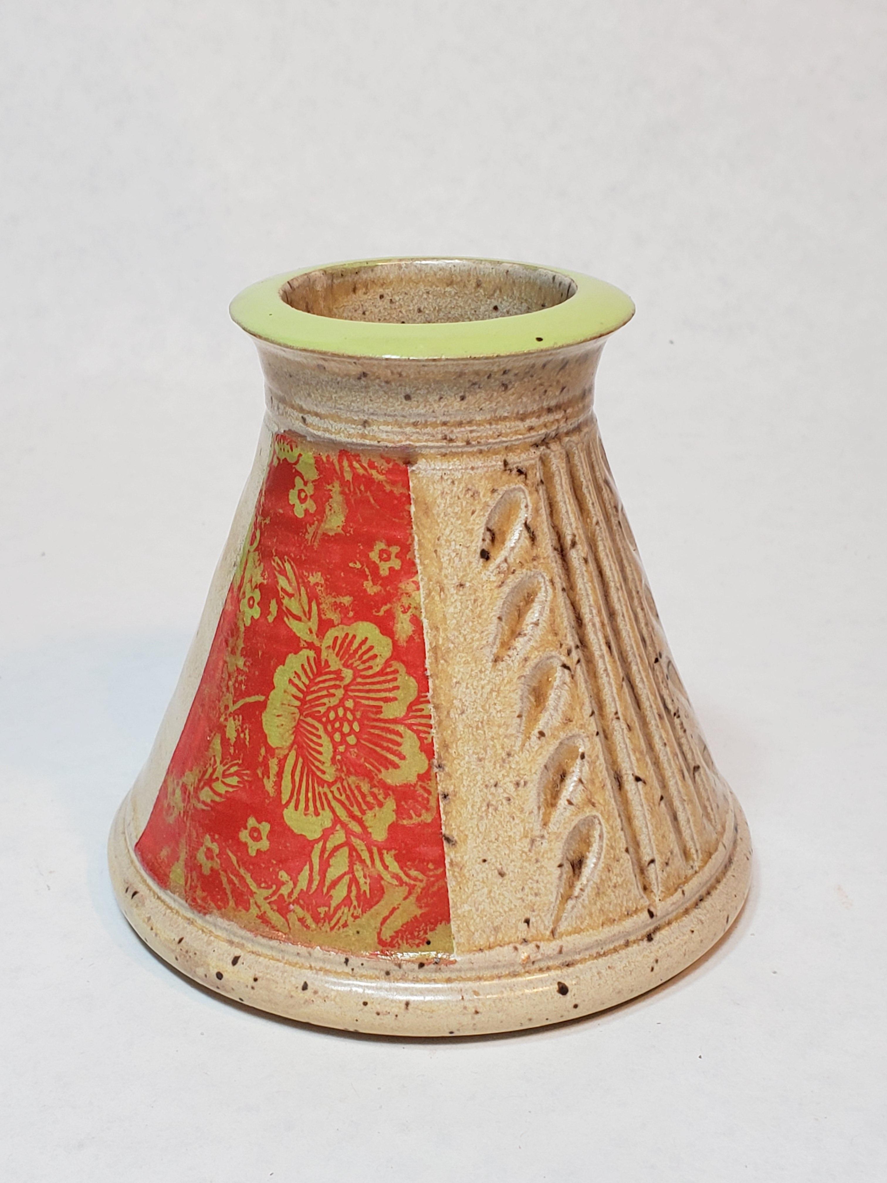 Smal flower vase, red floral