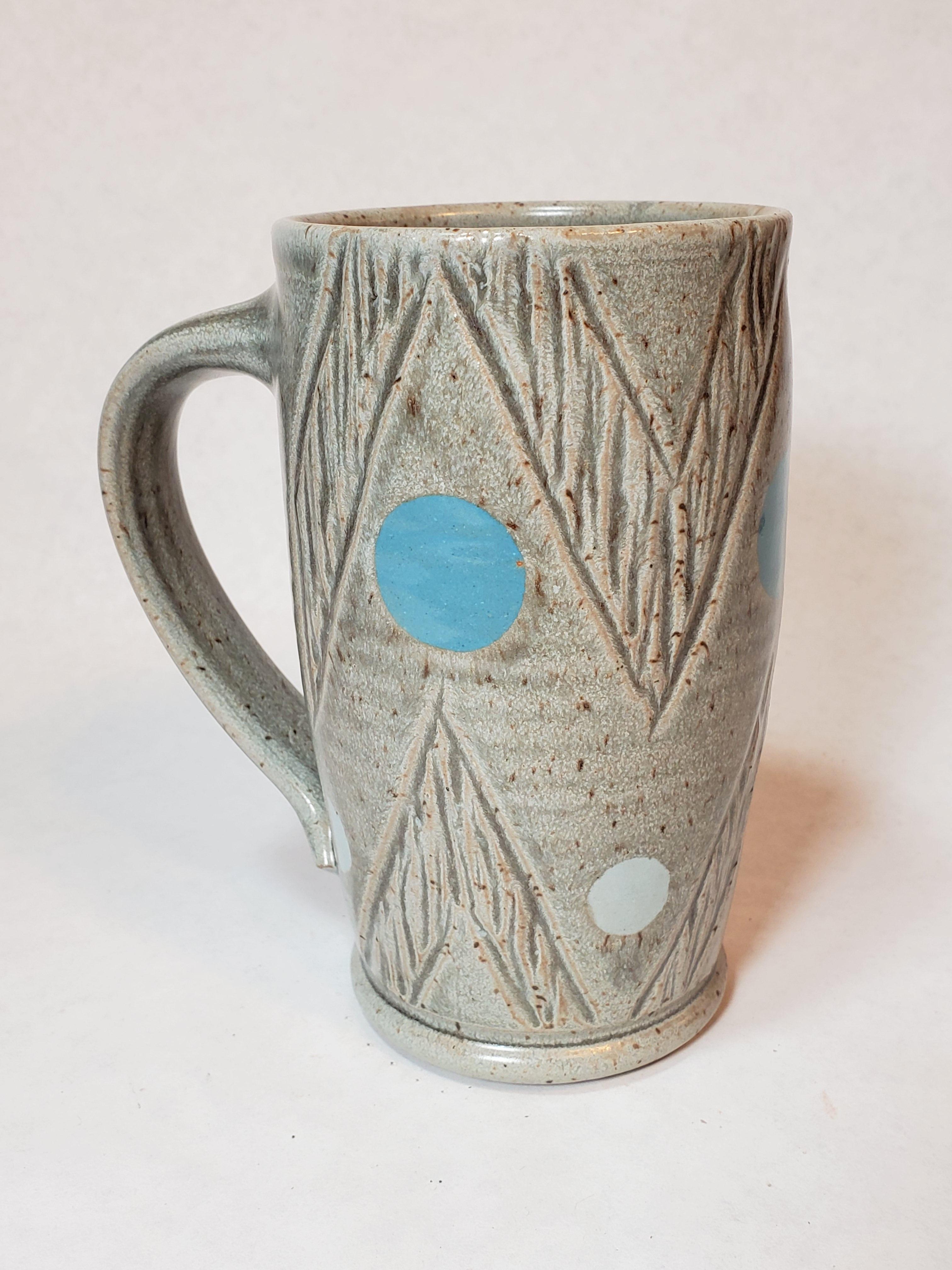 Large grey mug, chevron