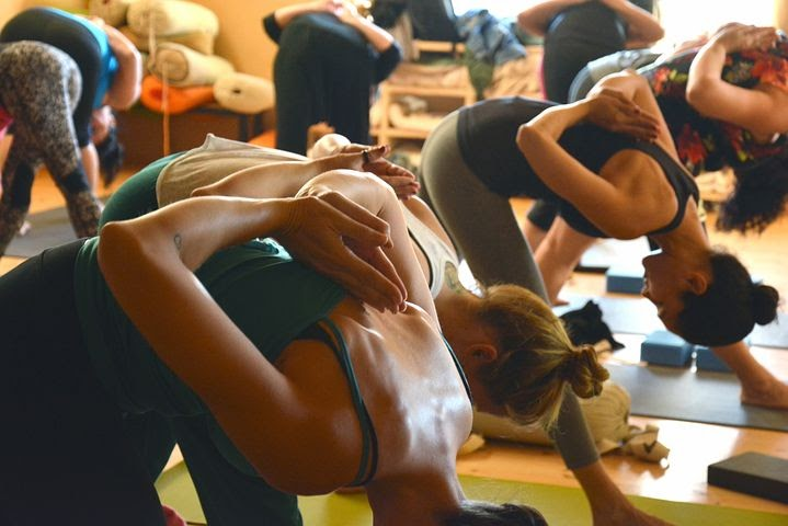 a yoga class that is relaxing and a great way to meet people