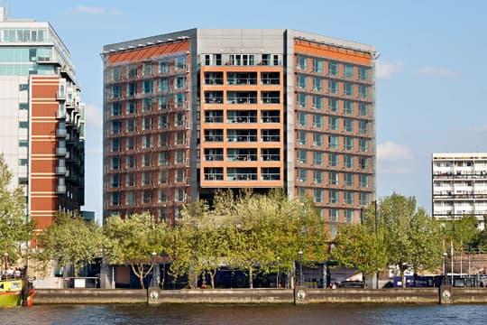 Riverbank Park Plaza Hotel & Residence