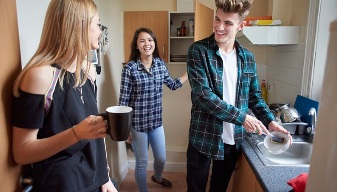 10 Questions to Ask Your Potential Roommate or Housemate