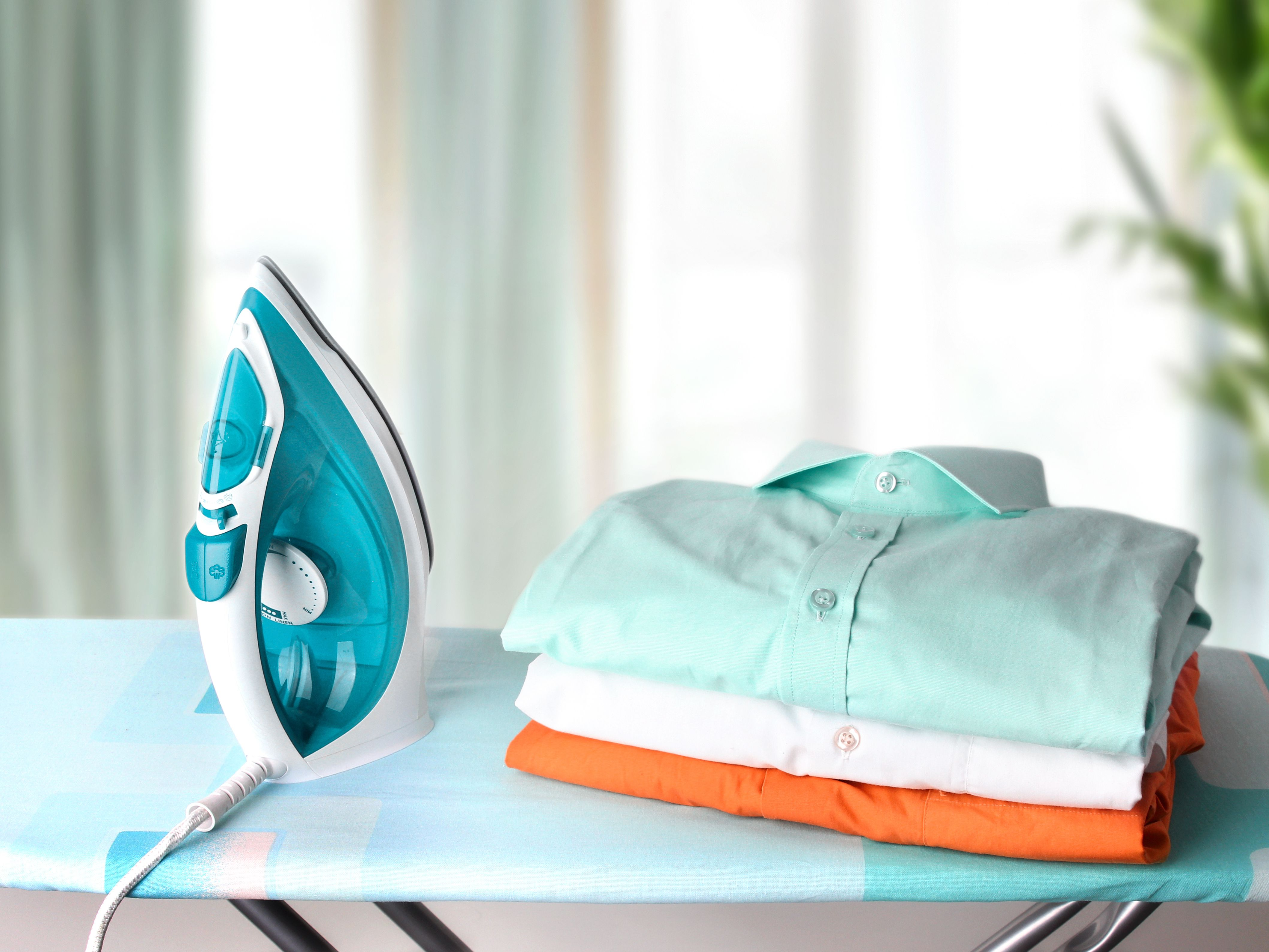 helpers available for ironing shirt in islamabad, rawalpindi and lahore through Mauqa Online app