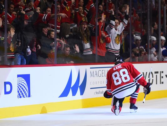 Patrick Kane scores his 7th goal to extend his point streak to 10 games on Sunday against the Oilers. (Nov 8, 2015)