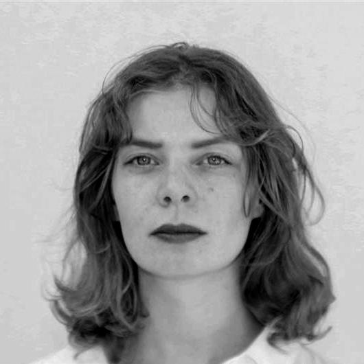 Porträt von Julia Schiefer