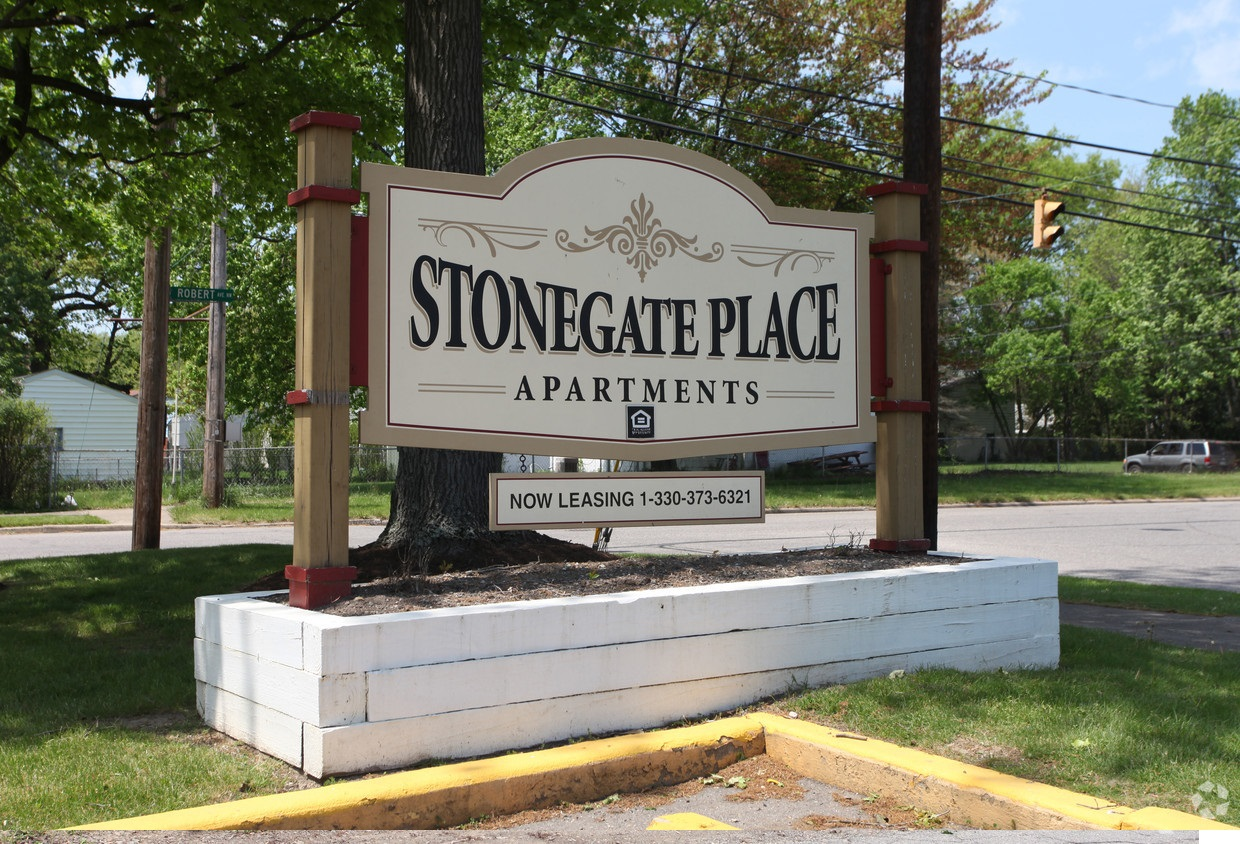 Stonegate Place Apartments