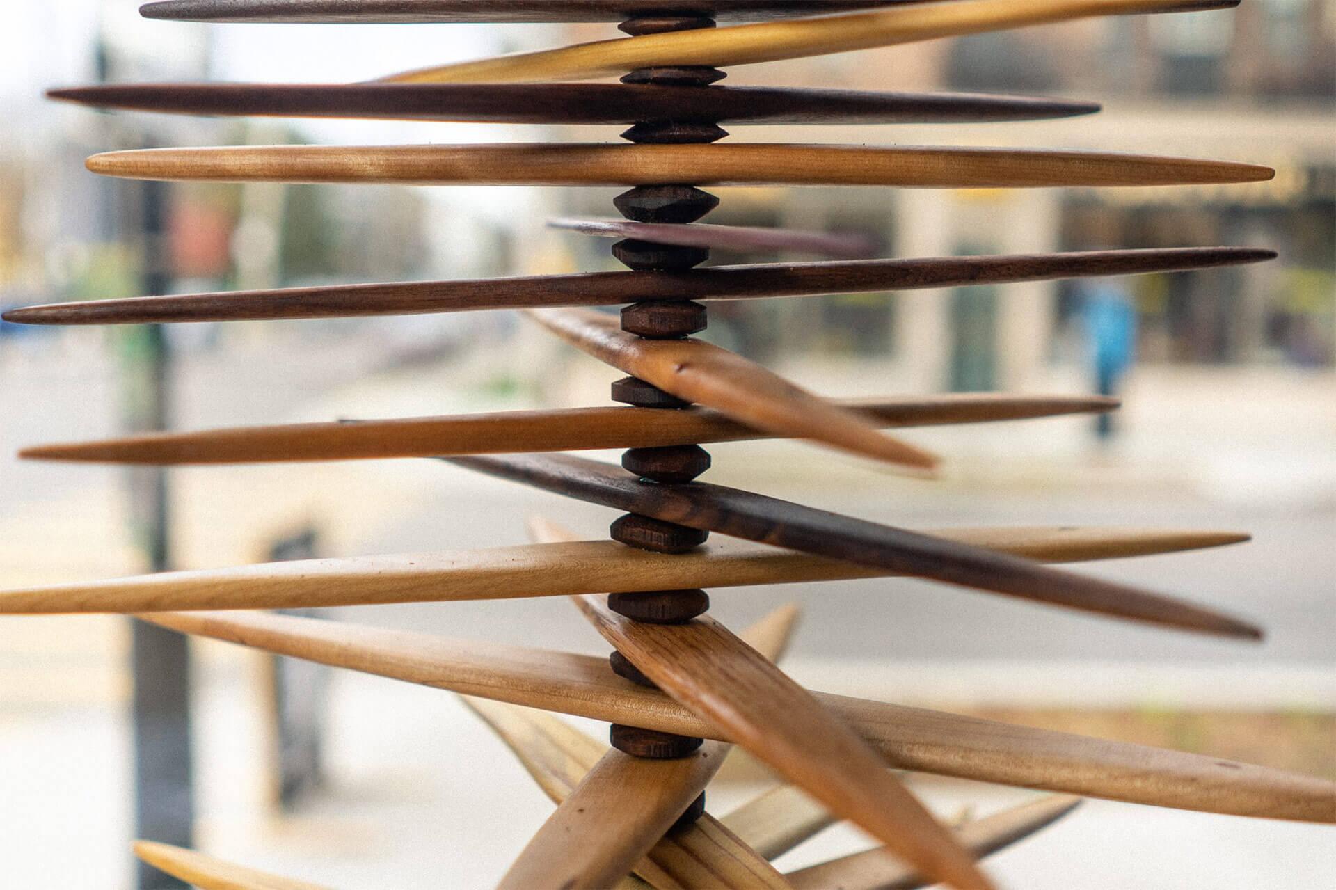 Sculpture en bois par Guy Lemyre, ébéniste de Montréal.
