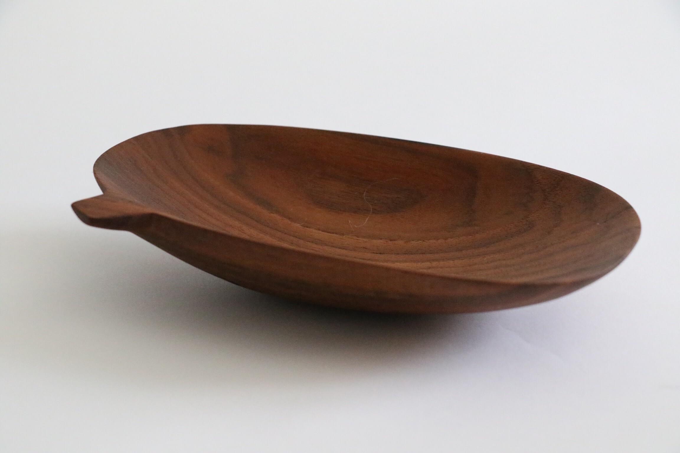 Plateau de cuisine en bois par Guy Lemyre, ébéniste de Montréal.