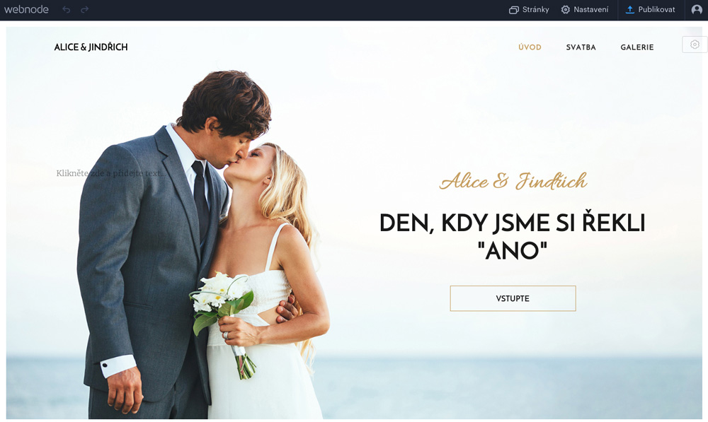 Editor nástroje Webnode, ve kterém je otevřena elegantní šablona s motivem svatby. Na šabloně jsou ženich s nevěstou.