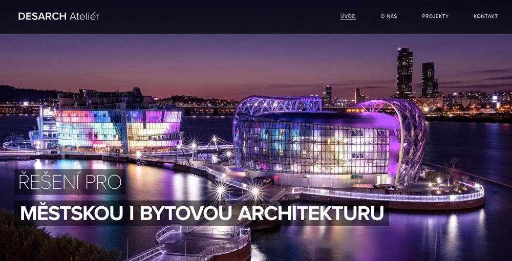 Šablona od Webnode pro studio, které se věnuje městské a bytové architektuře. Dominuje fialová barva.
