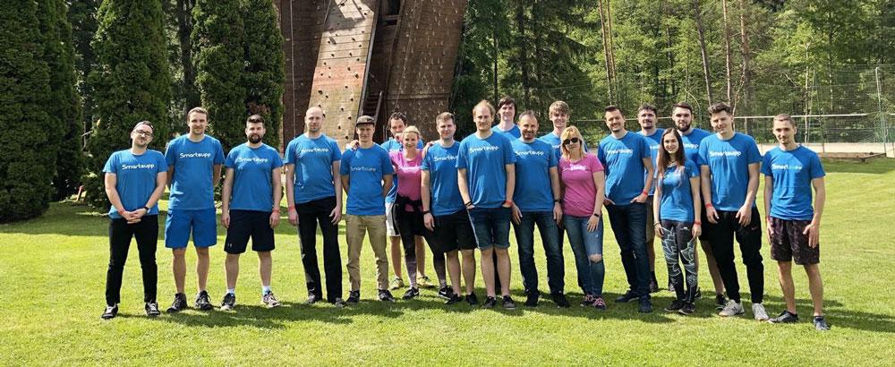 Tým nástroje Smartsupp na team buildingu. Smartsupp vytvořili podnikatelé Vladimír Šandera a Petr Jánošík.