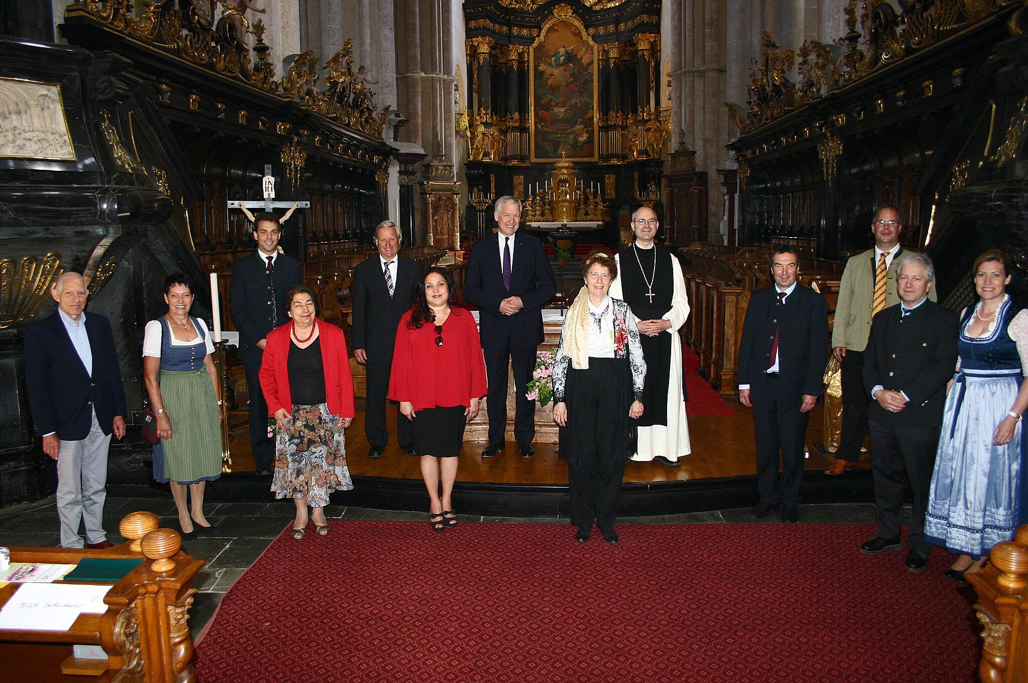 Honoratioren bei der Eröffnung