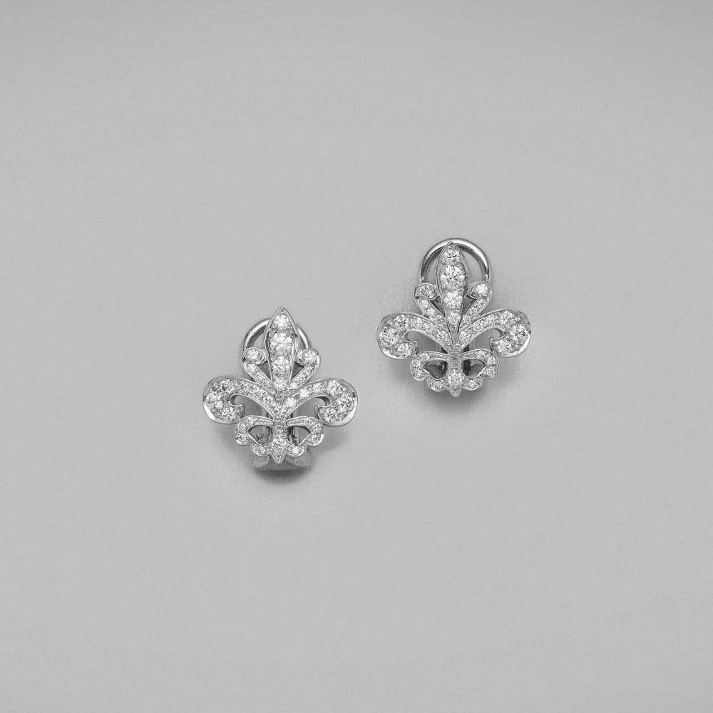 Rose gold Fleur de Lys diamond ring