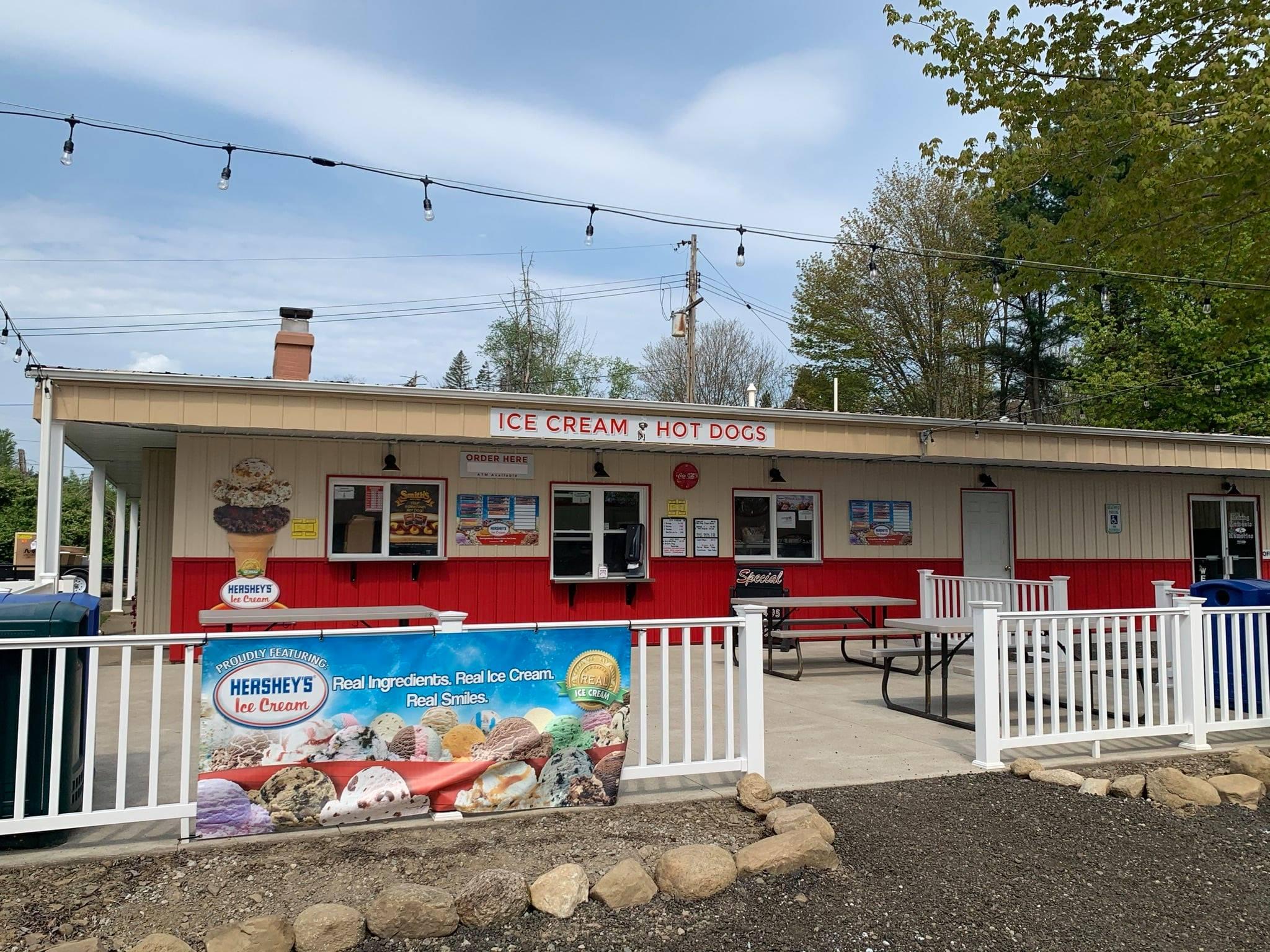 Rowdy's Ice Cream & Hot Dogs